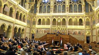Új miniszter és Hadházy mentelmi ügye az őszi ülésszak nyitányán
