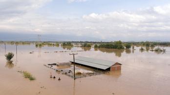 Három emberéletet követelt a Görögországra lesújtó, hurrikán jellegű ciklon