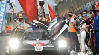 Sorozatban harmadszor a Toyota nyerte a Le Mans-i 24 órás autóversenyt