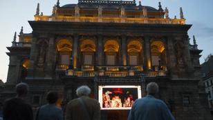 Leállása alatt heti négy online közvetítéssel jelentkezik az Opera