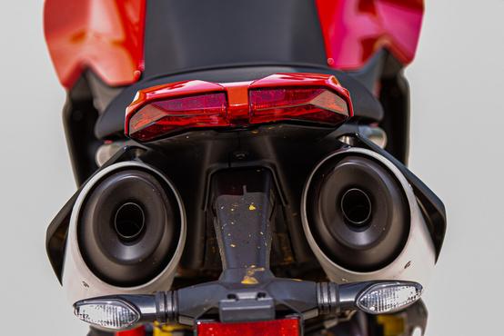 A motorgyártás egyik legvagányabb hátsója!