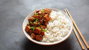 A tofunak is jól áll a teriyaki hangulat, így lesz a legfinomabb a vega alapanyag