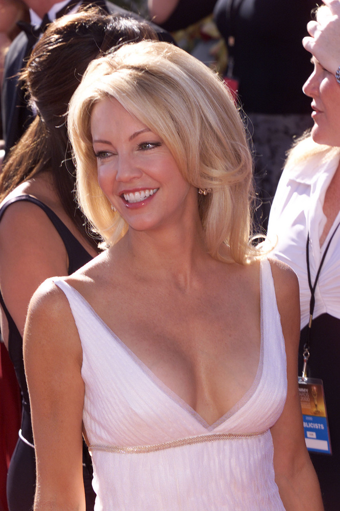 Heather Locklearral zárjuk a sort, aki az Emmyn nem, csak a Golden Globe-on jelölték 2000-ben, a Kerge városért, de akkor sem nyert