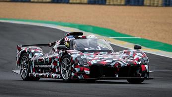 A Toyota készülő sportkocsija is parádézott Le Mans-ban