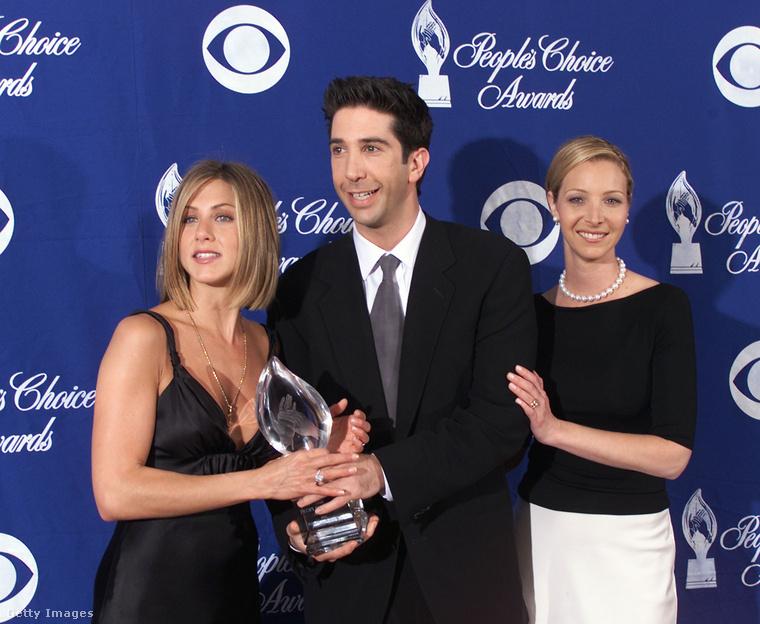 Lehet, hogy az idei Golden Globe-on nem nyert, de 2001-ben, a People's Choice Awardson már igen, őt választották a  a People magazin olvasói kedvenc televíziós előadóművészüknek, hála a Jóbarátoknak