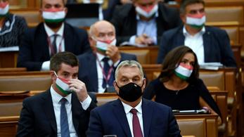 Orbán Viktor a járvány számainak a kétszeresével számol, de szerinte még így is minden rendben van
