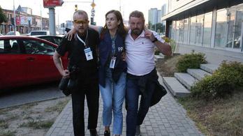 Rálőttek a rendőrök a belarusz újságírónőre, aztán megbírságolták a szerkesztőséget, mert nem látta előre a veszélyt