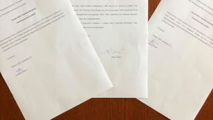 Lemondott Perkáta polgármestere, egyik alpolgármestere és egy képviselő
