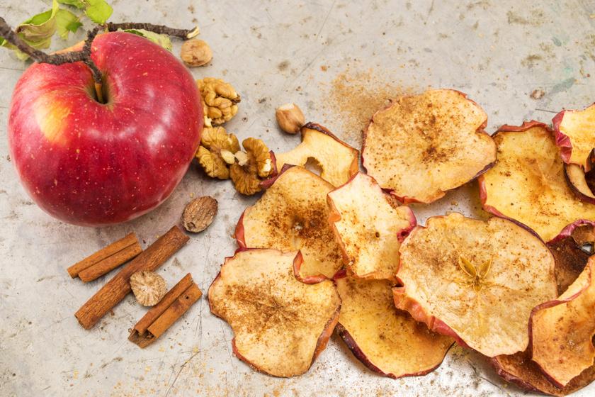 Ropogós almachips sütőben sütve, tartósítószer és adalékok nélkül