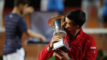 Novak Djokovics nyert Rómában, történelmet írt