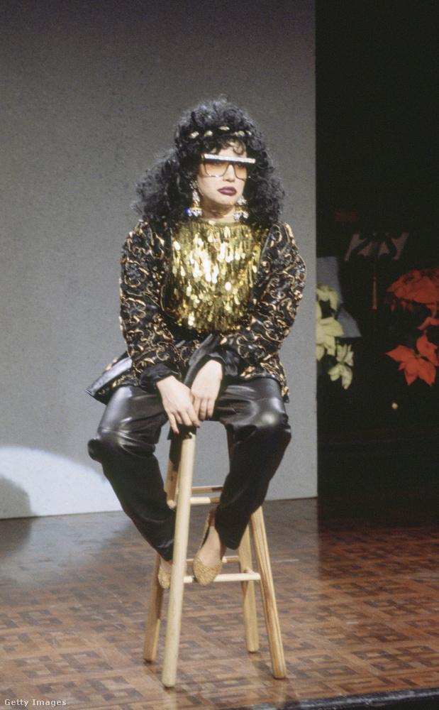 Különös jóslási módszerei miatt ki is parodizálták a Saturday Night Live-ban.