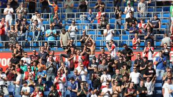 A holland miniszterelnök csendre kötelezné a futballszurkolókat
