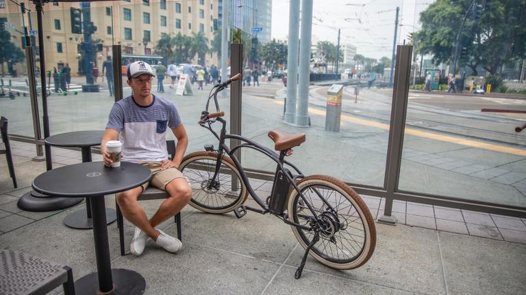 Támogatást kaphatnak magánszemélyek elektromos kerékpár vásárlására