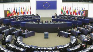 A magyaroknál csak négy tagállam polgárai bíznak jobban az EU-s intézményekben