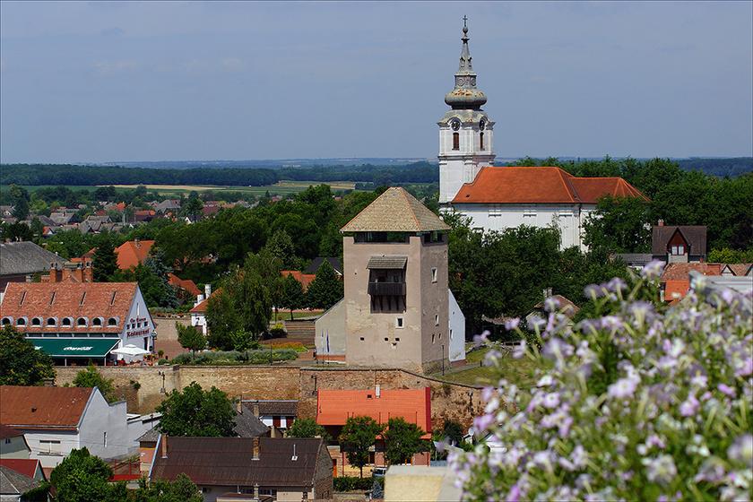 A Duna-part csodás városa ősszel is imádni való: Dunaföldvár tele van szépséggel