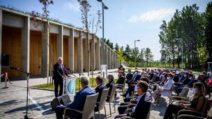 Semjén Zsolt Keszthelyen átadta a több mint egymilliárdos látogatóközpontot