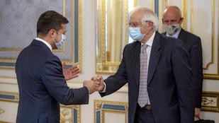 A megszállt területekről tárgyalt Ukrajna elnöke az EU kül- és biztonságpolitikai főbiztosával