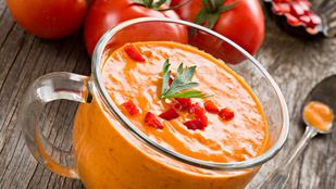 Sültpaprika-leves paradicsommal és ricottával