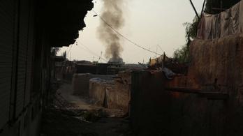 A béketárgyalások alatt sem hallgatnak a fegyverek Afganisztánban