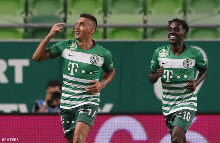 Tokmac (jobbra) és Uzuni az FTC erősségei a Dinamo Zagreb elleni mérkőzésen Uzuni gólja után 2020. szeptember 16-án