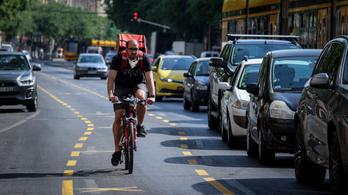 Fürjes Balázs: adják vissza áprilisig az autósoktól elvett körúti sávot