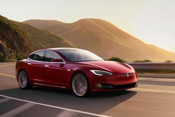 Árat emel a Tesla Európában