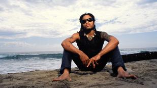 Lenny Kravitz szépségének titka a saját homokja