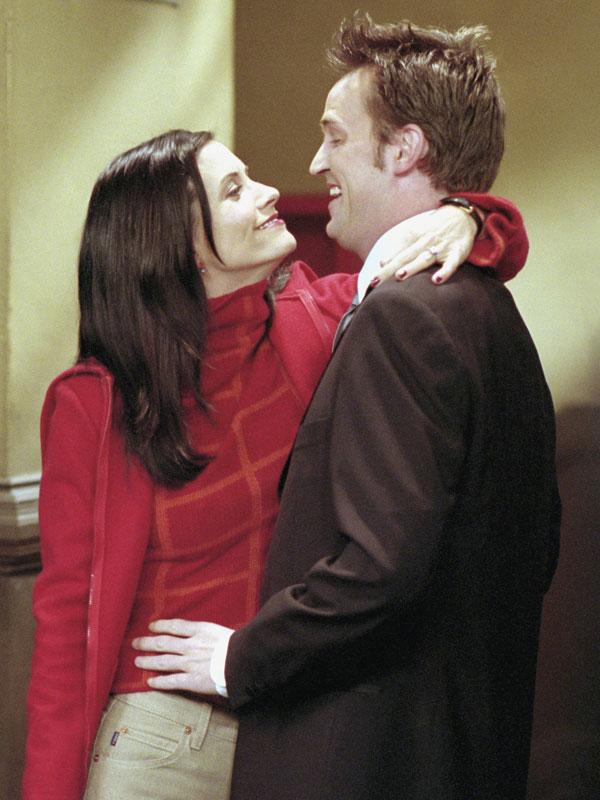 Már a második évadnál tervbe jött, hogy Monicát és Chandlert összehozzák. Miért vétózták akkor ezt meg a készítők?