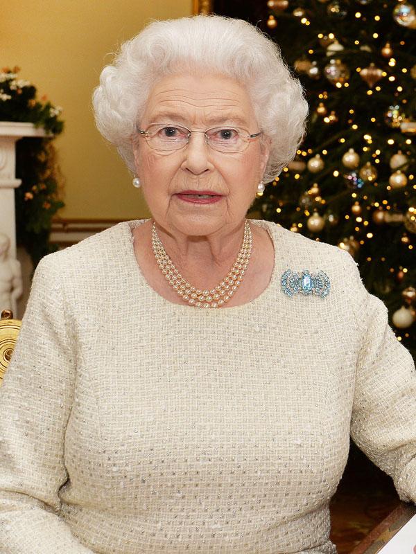 A brit királyi család melyik tagja vállalt vendégszerepet a Jóbarátok epizódjában?