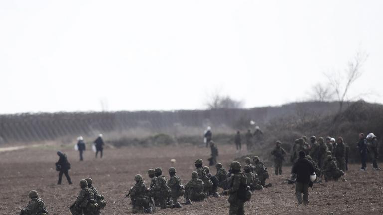 Szigorítja az Európai Bizottság a menekültügyi szabályozást, nincs napirenden a kötelező kvóta