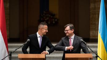 Szijjártó Péter tanévet nyitott Beregszászon, az ukrán külügyminiszter az ígérete ellenére nem ment el találkozni vele