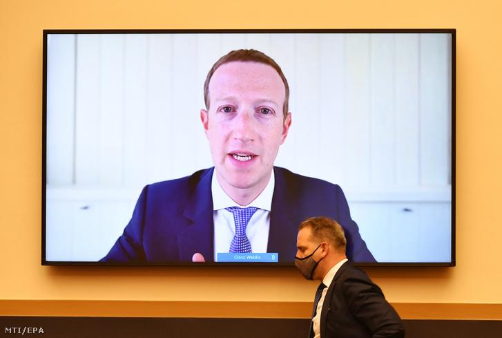 Mark Zuckerberg, a Facebook amerikai vezérigazgatója a képviselőház igazságügyi bizottsága trösztellenes albizottsága előtti, videokonferencián keresztül zajló meghallgatásán a törvényhozás washingtoni épületében, a Capitoliumban 2020. július 29-én