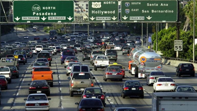 Kaliforniában 2035-re megszüntetik a benzines, a dízel-, valamint hibrid autók forgalmazását