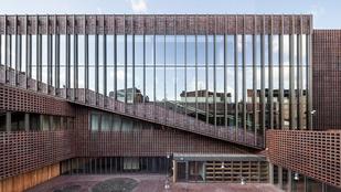 A Sziléziai Egyetem televíziós kara lett a világ legjobb téglaépülete