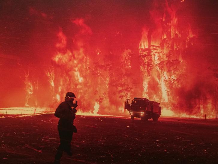A 30-nál több áldozatot követelő ausztráliai erdőtűz 12,6 millió hektárnyi területet perzselt fel.