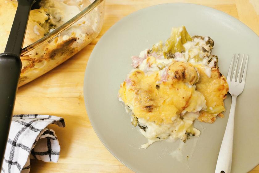 Elképesztően finom, szaftos, sütőben sült brokkoli: selymes besamelmártás koronázza meg