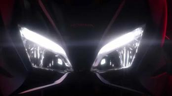 Nem spórolják el a Honda Forza 750-et