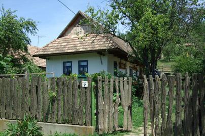 terény parasztház