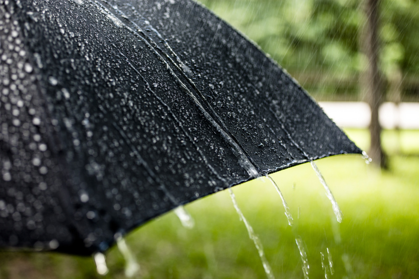 Esővel és viharos széllel jön a hétvége – Erős lehűlésre számíthatunk