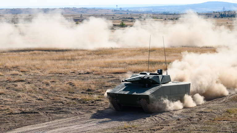 Akcióban az új magyar harckocsik