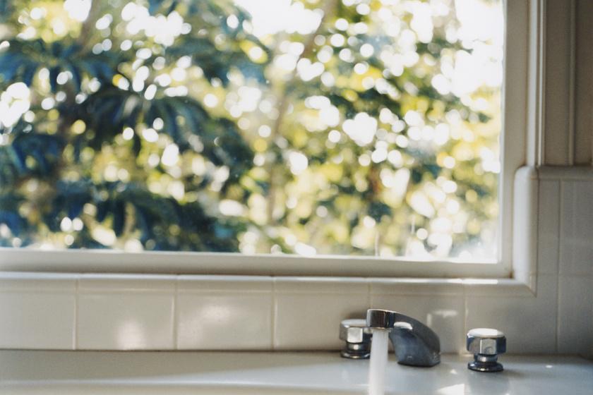 Látványosan csökkenti a vízszámlád, ha kipróbálod ezt a 6 praktikát: egyszerűek, mégis hatékonyak