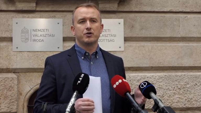 Benyújtotta a népszavazási kezdeményezését a DK az ingyenes tesztekről