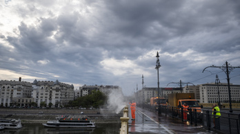 Hídfürdő lesz hétvégén Budapesten