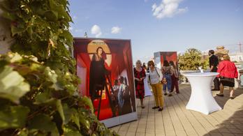Budavári Legendák – 27 portré a Várkert Bazárban