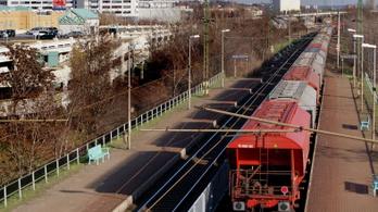 Tizennégy éves lányt gázolt el a vonat Budatéténynél