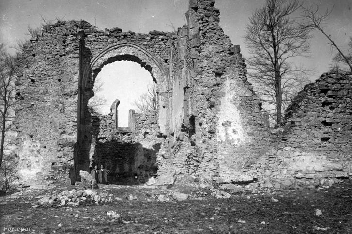 Pálos kolostor romja Bükkszentléleken 1933-ban