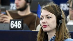 Az Európai Bizottsághoz fordult a magyar médiaviszonyok miatt a Momentum