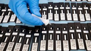 Egymillióhoz közelít a koronavírus halálos áldozatainak a száma
