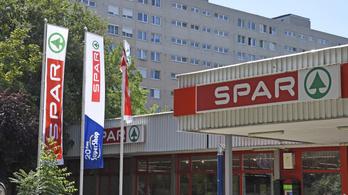 Ingyen maszkot osztogat feledékeny vásárlóinak a Spar