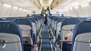 Ezért kékek a repülőn az ülések